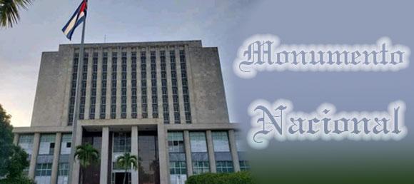 Recibe Biblioteca Nacional