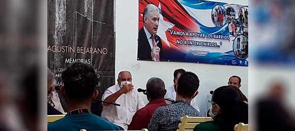 Ministro de Cultura dialoga con protagonistas